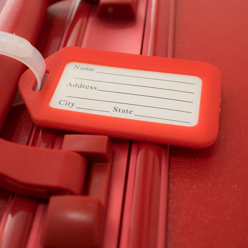 thẻ treo màu đỏ
